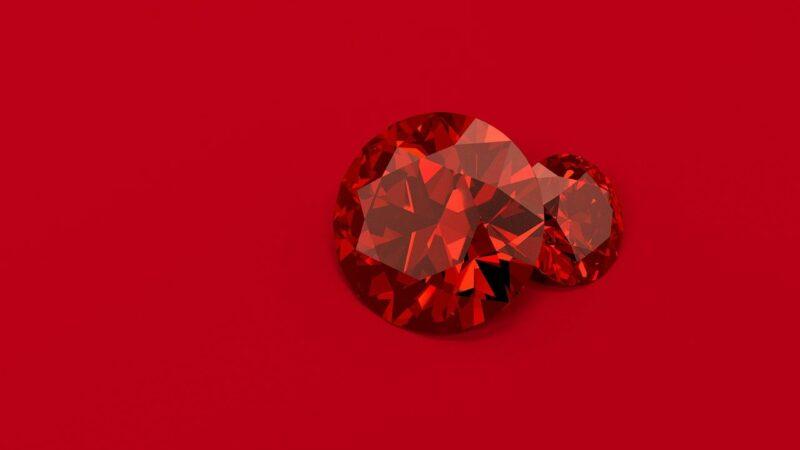 Des pierres précieuses étonnantes de couleur rouge